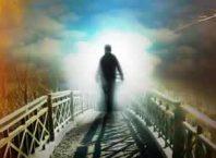 """Ahirete iman etmek insanın hayatını nasıl etkiler, """"Âhiret inancı olan kimse¸ âhirete hayatında¸ bu dünyada işlediği işlerin karşılığını göreceğine inanır."""