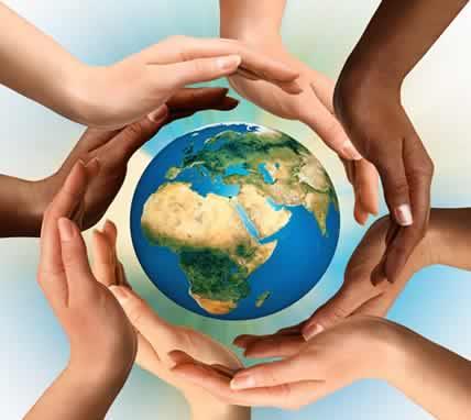 Dünyanın düz görünmesinin nedeni nedir sorusunun cevabı dünyanın çok büyük olmasından dolayıdır. Hatta geçmişte birçok kişi dünyanın düz bir tepsi gibi olduğunu düşünürlerdi. Oysa daha sonradan anlaşıldığı ki, dünya yuvarlaktır.